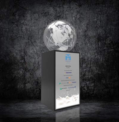 be Massive tombstones, acrylic awards, corporate gifts, dealtoys, bespoke awards